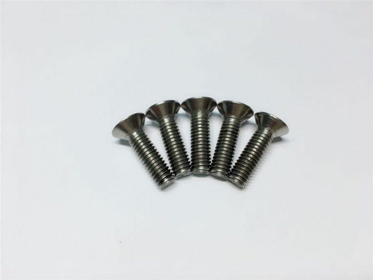 M3, M6 ברגי טיטניום בורג כובע ראש שקע ראש ברגי מקורבות טיטניום לניתוח בעמוד השדרה