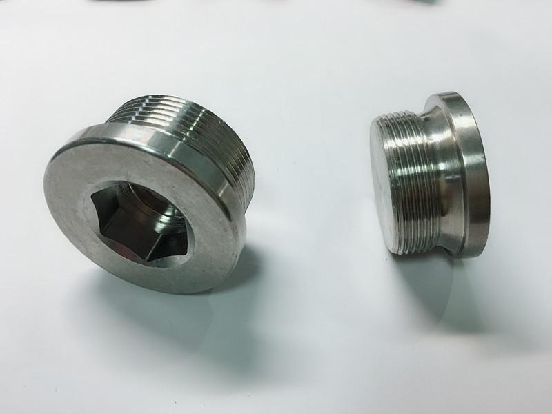 בורג טבעת נירוסטה בהתאמה אישית עם טבעת מפתח ss