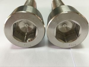יצרני מחברים DIN 6912 בורג ראש שקע משושה טיטניום